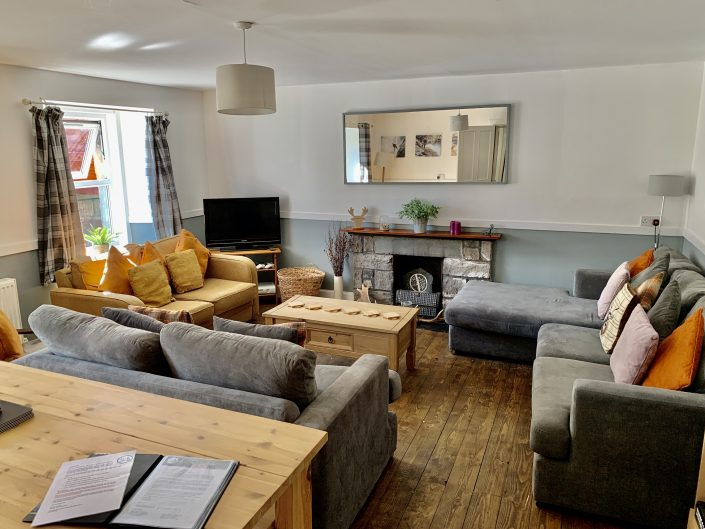 Tay bunkhouse living room